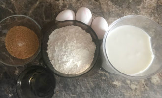 Ингредиенты для бархатных блинов