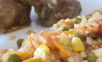 Курица по-каталонски с рисом и овощами