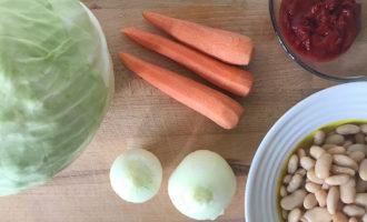 Ингредиенты для тушения капусты