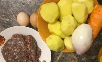 Ингредиенты для картофельной бабки