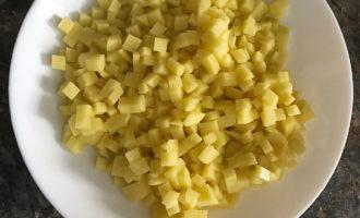 Картошка кубиками