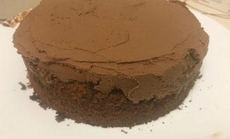 Шоколадный бисквит с кремом