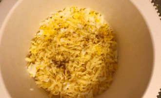 Редька, сыр и яйца