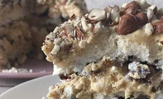 Торт Павлова с орехами