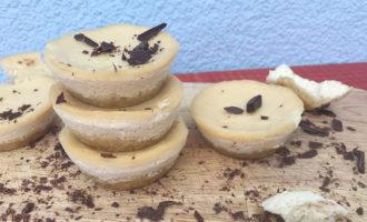Пошаговый рецепт мини-чизкейков