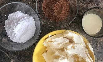 Какао, сгущёнка и масло для крема